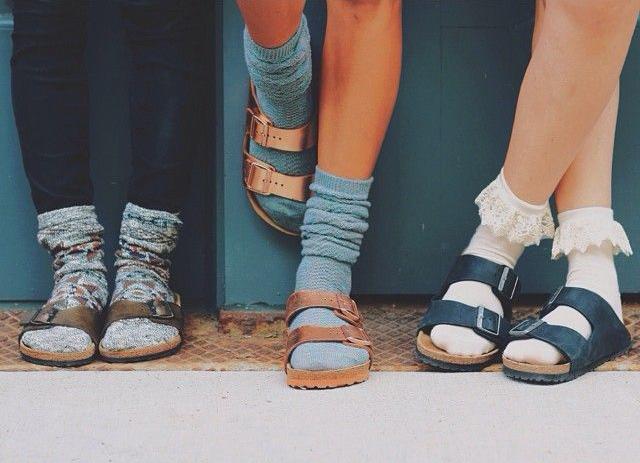 calcetines originales con sandalias ugly